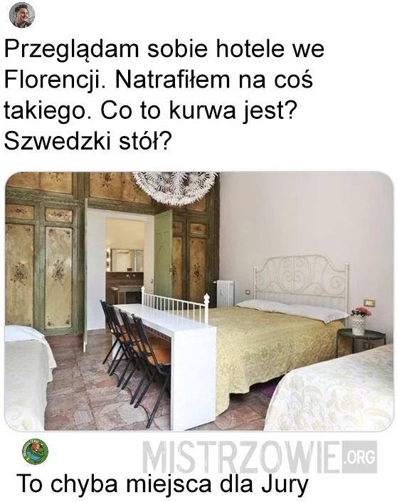 Hotel –>